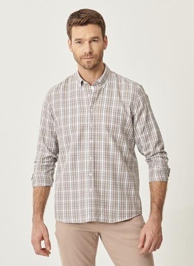 AC&Co / Altınyıldız Classics Tailored Slim Fit Dar Kesim Düğmeli Yaka Kareli Gömlek 4A2021100176 Bej